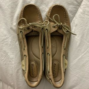 Size 7 Sperry shoes